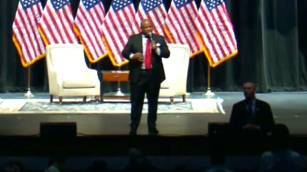 Trump Pastor: Sanders 'Doesn't Believe In God' (Video) Promo Image