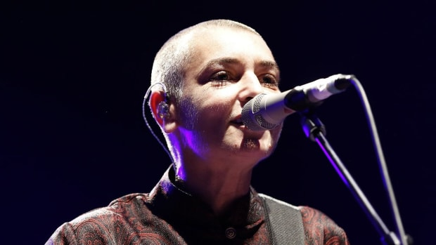 Sinead O'Connor Says Arsenio Hall Gave Prince Drugs Promo Image