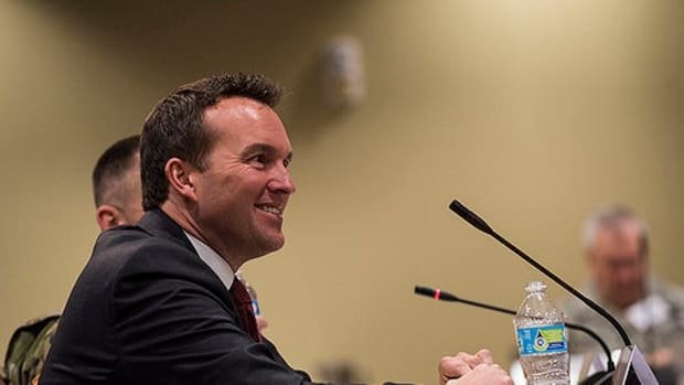 Eric Fanning Becomes First Openly Gay US Army Secretary Promo Image