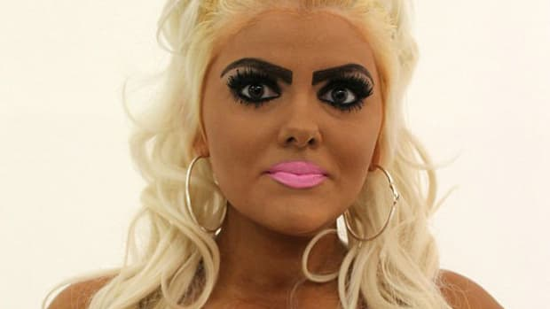 Aspiring Barbie Look-A-Like Tries Natural Look (Photos) Promo Image
