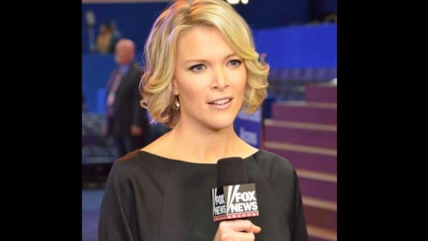 Megyn Kelly Defends GOP Candidates, Slams Clinton Promo Image