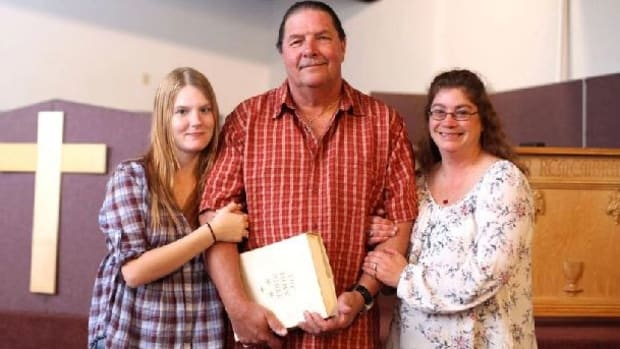 Married 60-Year-Old Pastor Weds His Pregnant Teen Girlfriend (Yes, In America) Promo Image