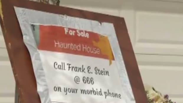 Halloween-themed for-sale sign cited by a Nevada HOA