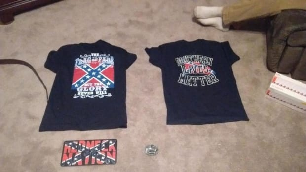 Clothing featuring the Confederate Flag