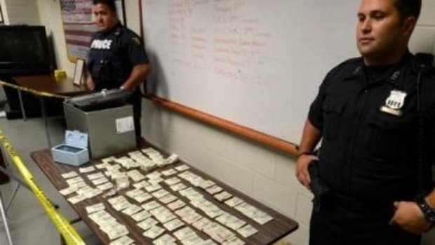Police Take $107,000 In Cash From Married Couple Without Even Charging Them For A Crime Promo Image