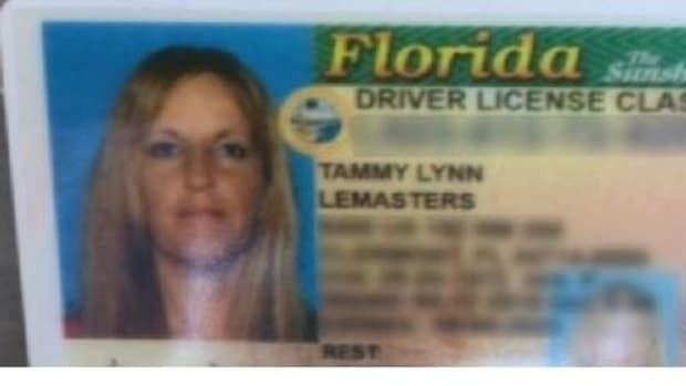 Mother Of 3 Realizes Something Is Very, Very Wrong With Her License When She Takes A Closer Look (Photo) Promo Image