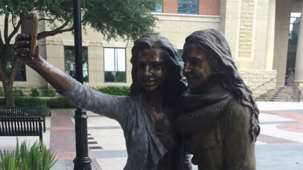 Town Sparks Controversy Over Selfie Statue (Photos) Promo Image