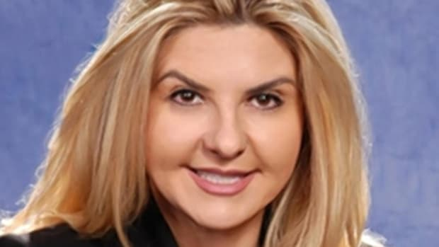 Michele Fiore's family Christmas portrait with guns