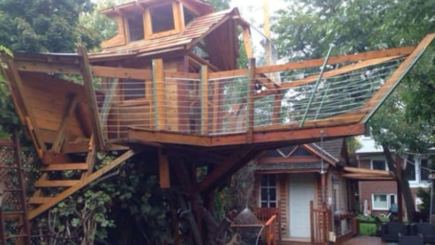 City Tells Dad: No Treehouse (Photos) Promo Image
