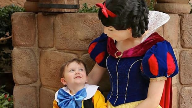 Autistic Boy's Snow White Encounter Goes Viral (Video) Promo Image