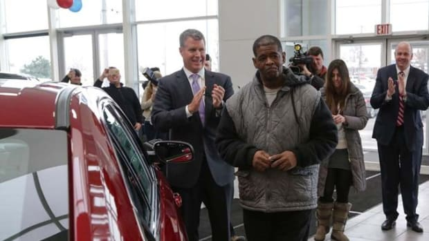 Robertson Buys A Car
