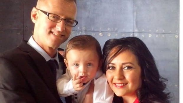 Couple Whose Baby Was Swapped At Birth Return To US Promo Image