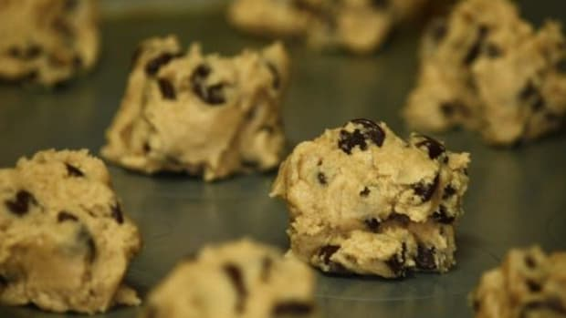 FDA: Raw Cookie Dough May Contain Fecal Matter Promo Image