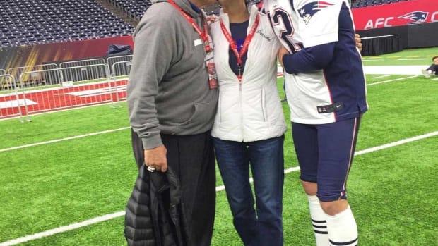 Emotional Tom Brady Wins Super Bowl For Sick Mother Promo Image