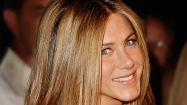 Jennifer Aniston Responds To Brangelina Divorce Promo Image