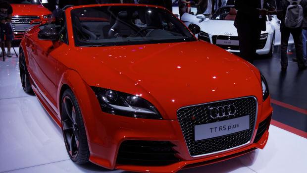 Regulator Finds Emission Test 'Cheat Device' In Audis Promo Image
