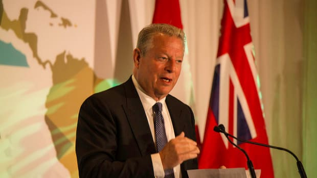 Al Gore Endorses Hillary Clinton Promo Image