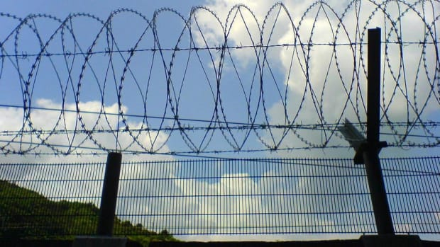 Norway To Build Border Fence To Keep Out Refugees Promo Image