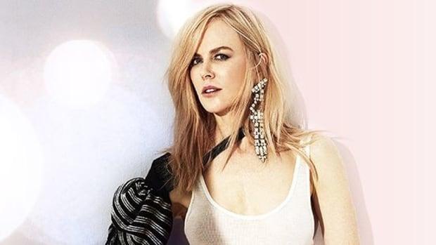 Oscar Viewers Fixate On Nicole Kidman's Weird Clapping (Video) Promo Image