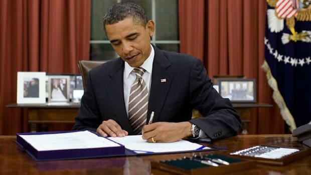 Obama Pardons 78 Inmates, Shortens 153 Sentences Promo Image