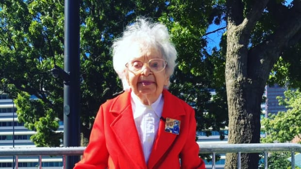 103-Year-Old Clinton Voter Dies, Leaves Message Promo Image