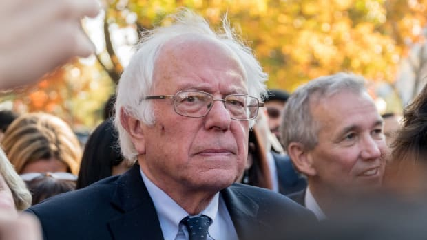 Bernie Sanders Trolls Donald Trump On Twitter Promo Image