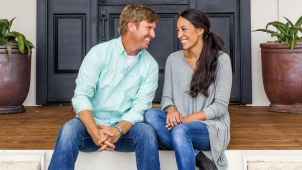 HGTV 'Fixer Upper' Stars Under Fire For Anti-Gay Church Promo Image