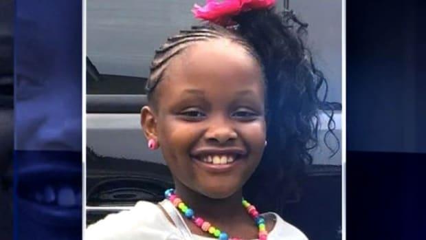 Mom: School Guard Handcuffed My 6-Year-Old Girl (Video) Promo Image