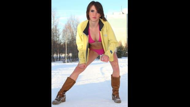 Hundreds Of Bikini-Clad Snowboarders Hit The Slopes (Video) Promo Image