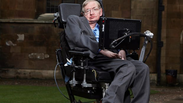 Stephen Hawking: Humans Must Colonize Moon, Mars Promo Image
