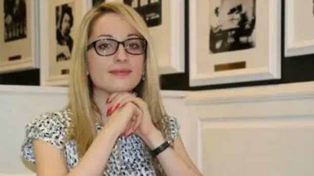 Female Chess Players Threaten Boycott Over New Hijab Rule Promo Image