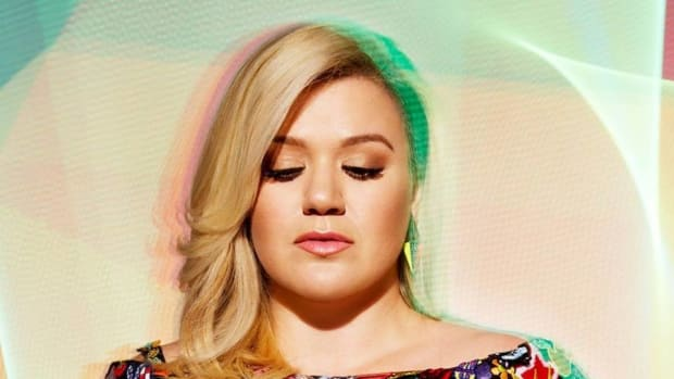 Some Accuse Kelly Clarkson Of Child Abuse Over Nutella (Video) Promo Image