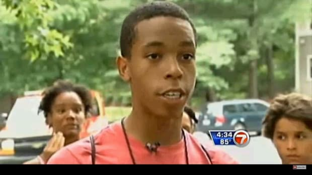 15-Year-Old Boy Saves 5-Year-Old From Kidnapper (Video) Promo Image