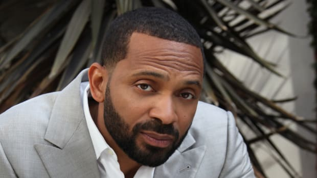 Mike Epps Under Fire For Bringing Kangaroo Onstage (Video) Promo Image
