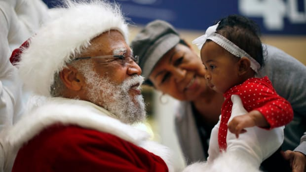 Mall Of America To Host Its First Black Santa Promo Image