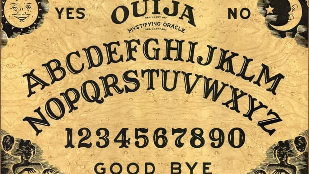 Kindergarten Teacher Brings Ouija Board Into Class Promo Image