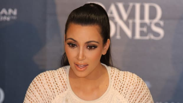Fans Worry After Seeing Kim Kardashian's Workout Outfit (Video) Promo Image