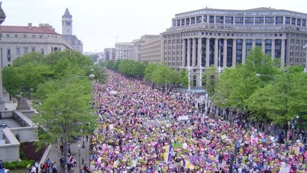 200,000 To Protest On Trump's First Day As President Promo Image