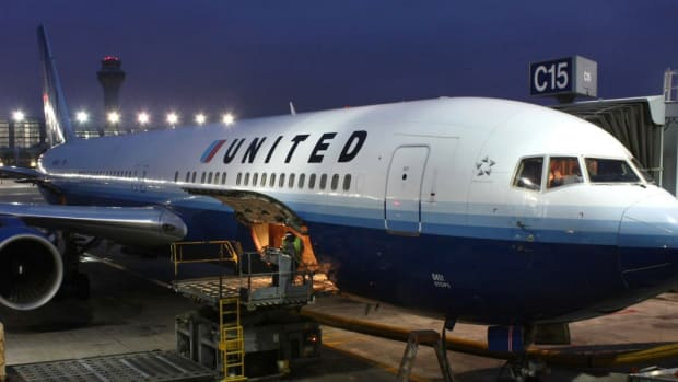 United Passenger: I Was Forced To Pee In A Cup (Video) Promo Image