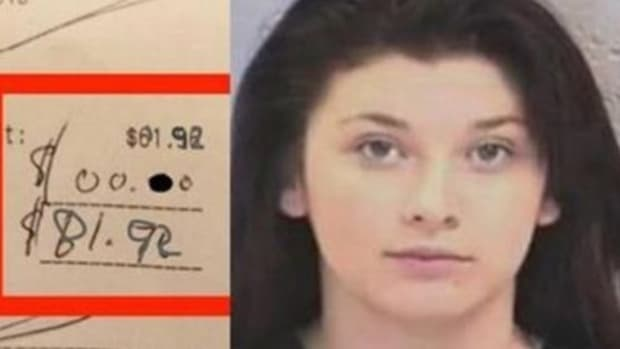 Mom Makes Upsetting Discovery On Her Restaurant Receipt (Video) Promo Image
