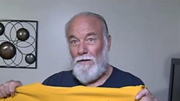 This Is The Shirt That Got A 70-Year-Old Man Kicked Out Of The Gym (Photo) Promo Image