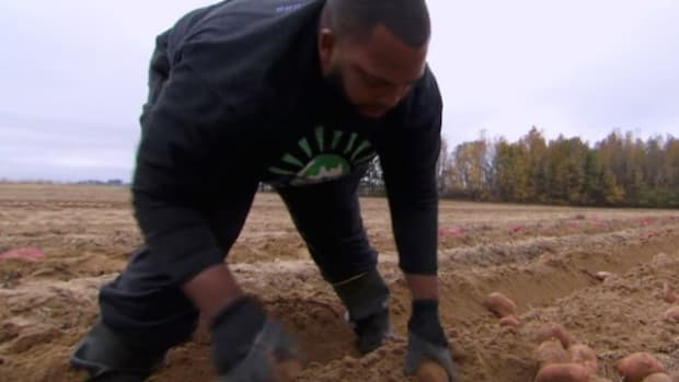 Ex-NFL Star Left It All Behind To Help Others (Video) Promo Image
