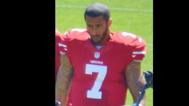 Some Offended By Kaepernick's Castro T-Shirt (Photo) Promo Image