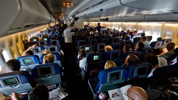 Lawyer Sues Emirates Airline Over Obese Passenger (Photos) Promo Image