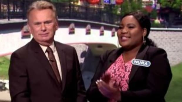 Game Show Contestant Throws Round On Purpose (Video) Promo Image