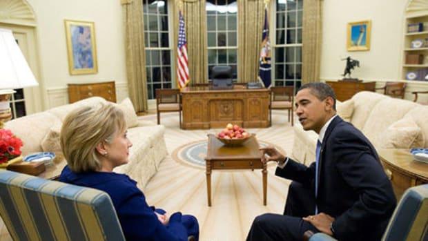 President Obama May Pardon Hillary Clinton, Experts Say Promo Image