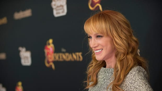 Kathy Griffin Apologizes For Trump Photo Shoot (Photo) Promo Image