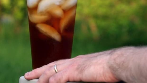 Man Pays The Price After He Ignores Demands From Doctors That He Stop Drinking So Much Iced Tea Promo Image
