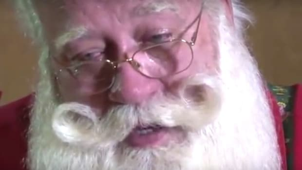 Is Viral Story About 'Santa And Dying Child' True? (Video) Promo Image