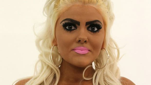 Barbie Look-A-Like Realizes She Looks Dumb, Makes Dramatic Change; Here's What She Looks Like Now (Photos) Promo Image